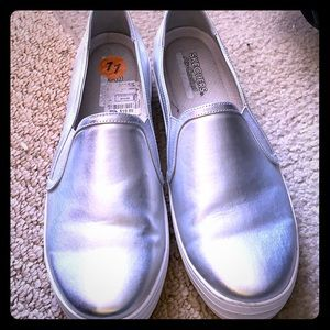 Silver Good condition Skechers